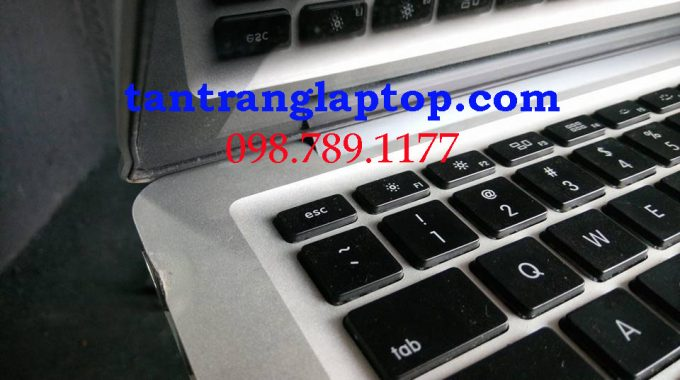 Tân trang laptop, sơn vỏ laptop cũ tphcm, sửa bản lề laptop