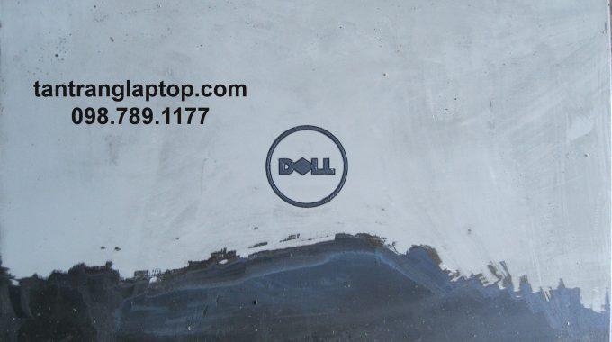 Cách tẩy keo dán dính trên laptop mà không làm phai màu sơn laptop